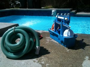 pool-cleaning-330399_1280 (1)