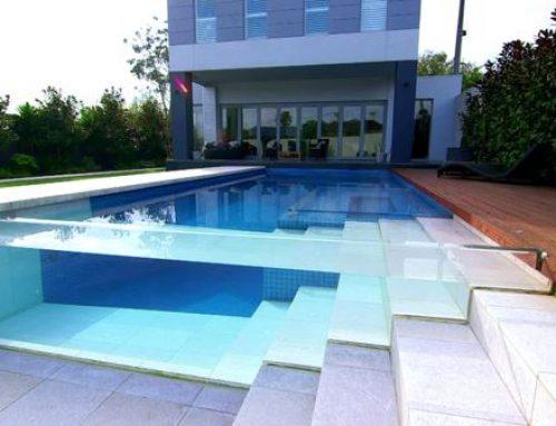 Строителство на стъклен басейн
